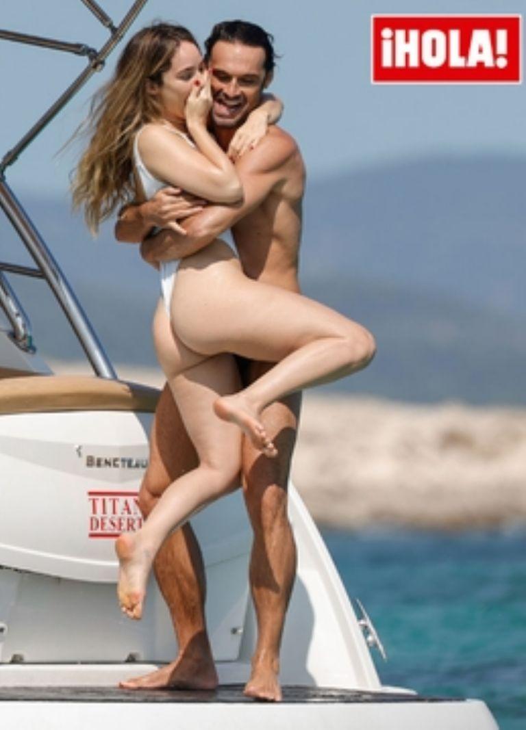 Camila Sodi e Iván Sánchez sorprenden en Ibiza con su romance - 2021