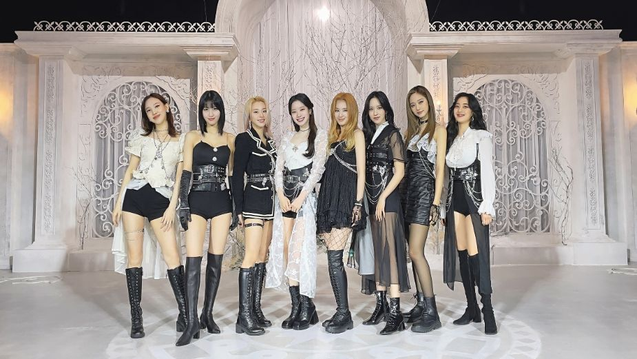 TWICE causa SENSACIÓN durante presentación en The Kelly Clarkson Show | VIDEO