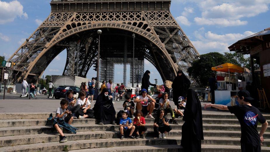 Francia reabre fronteras al turismo; esta es la vacuna que debes tener