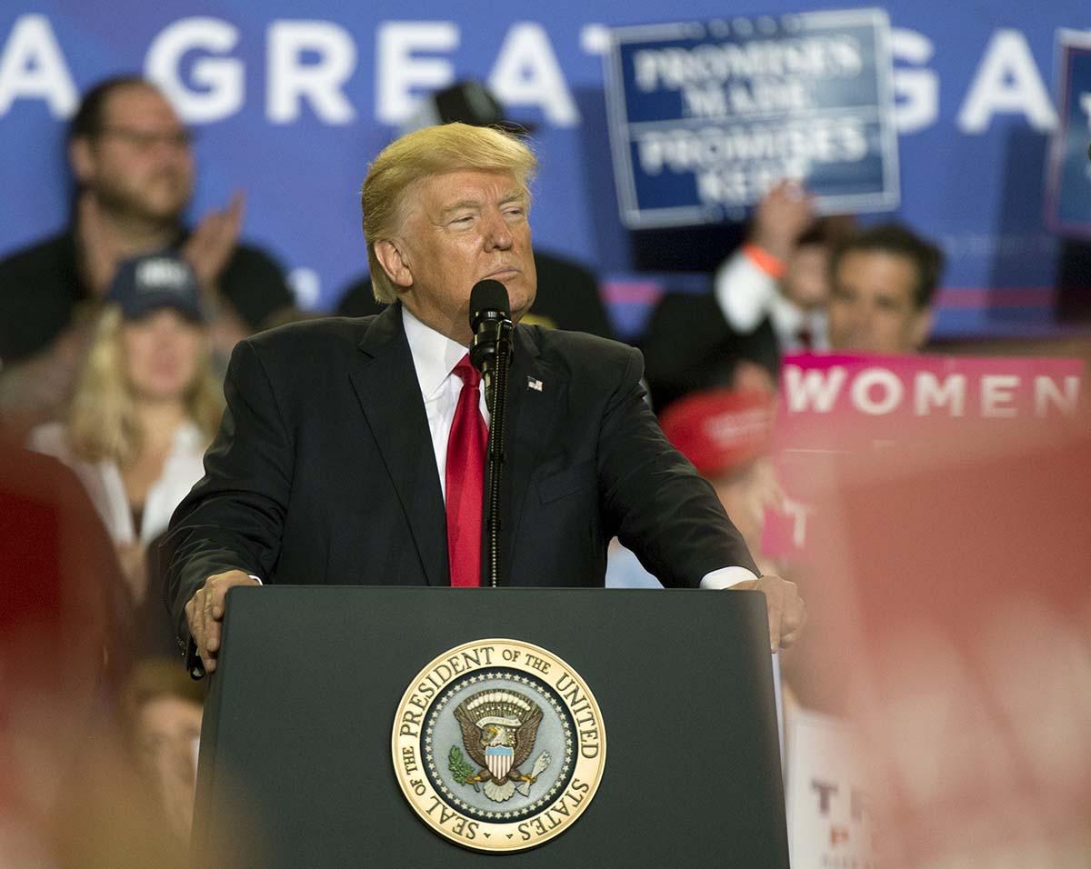 Donal Trump y su guerra contra los medios