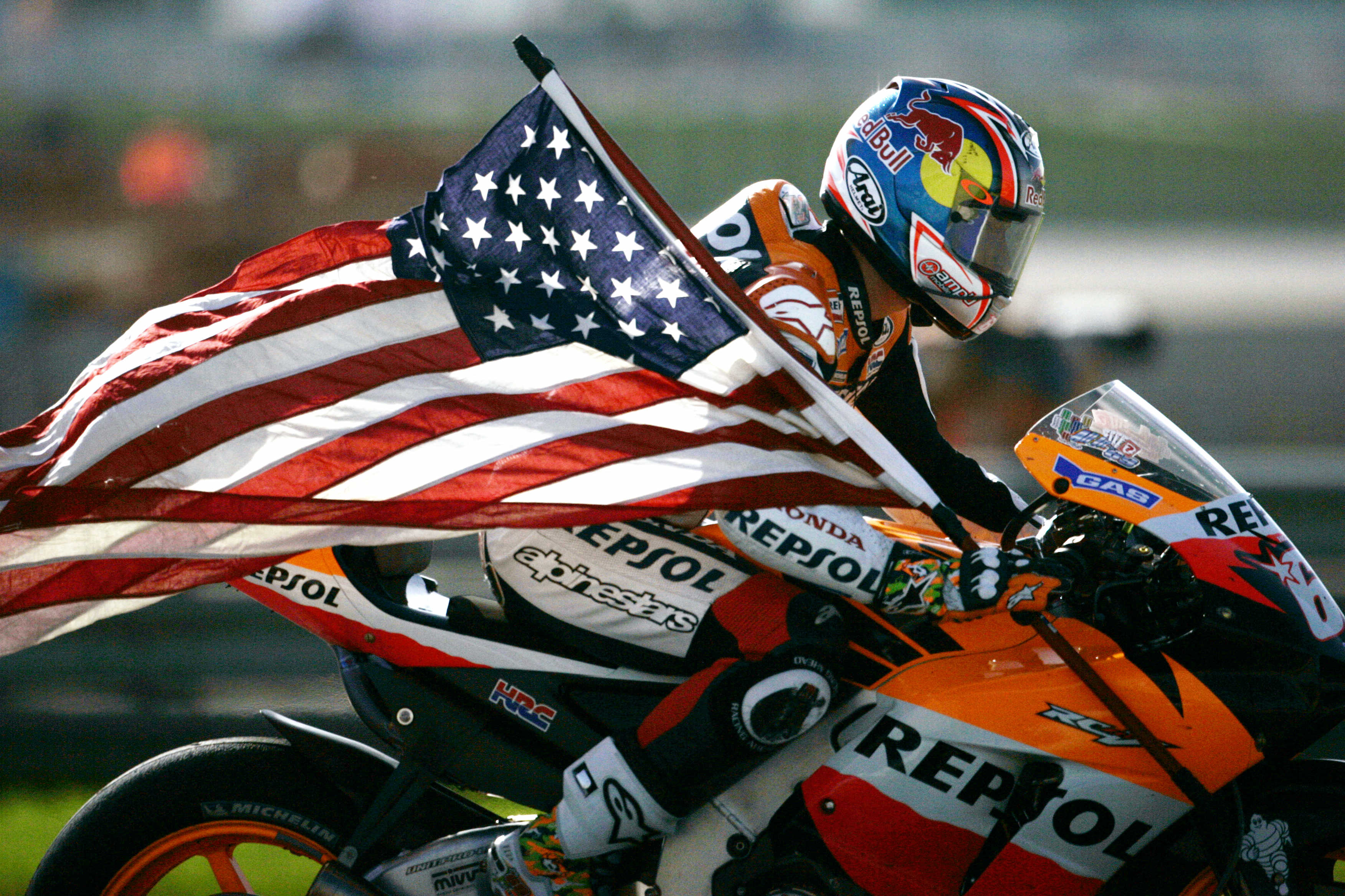 Nicky Hayden, campeón del mundo de MotoGP, falleció tras ser atropellado