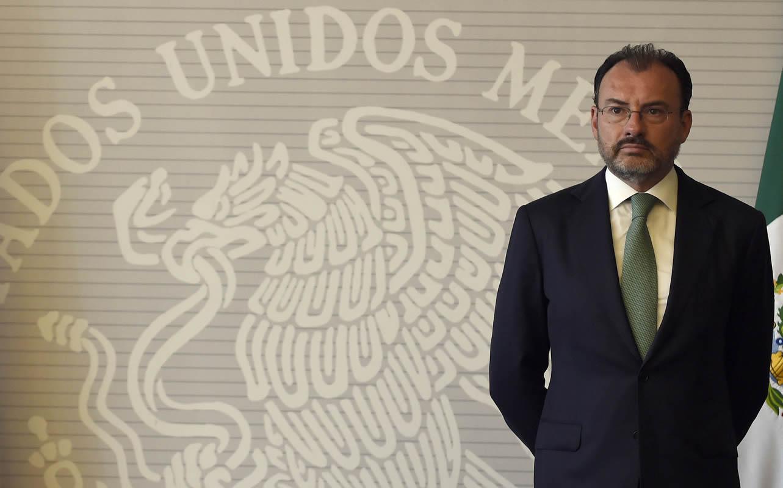 El canciller de México, Luis Videgaray, ofreció mediar en un proceso de acuerdo político en Venezuela y acusó al gobierno de Nicolás Maduro de tener rasgos