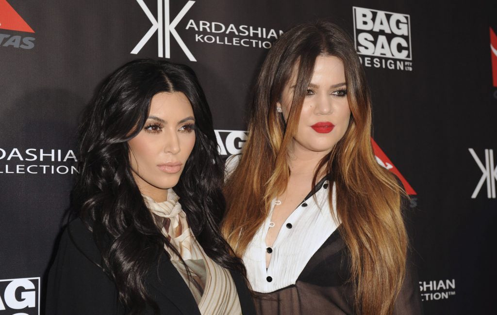 El Heraldo de México. Kim y Khloe Kardashian. EFE/TRACEY NEARMY.