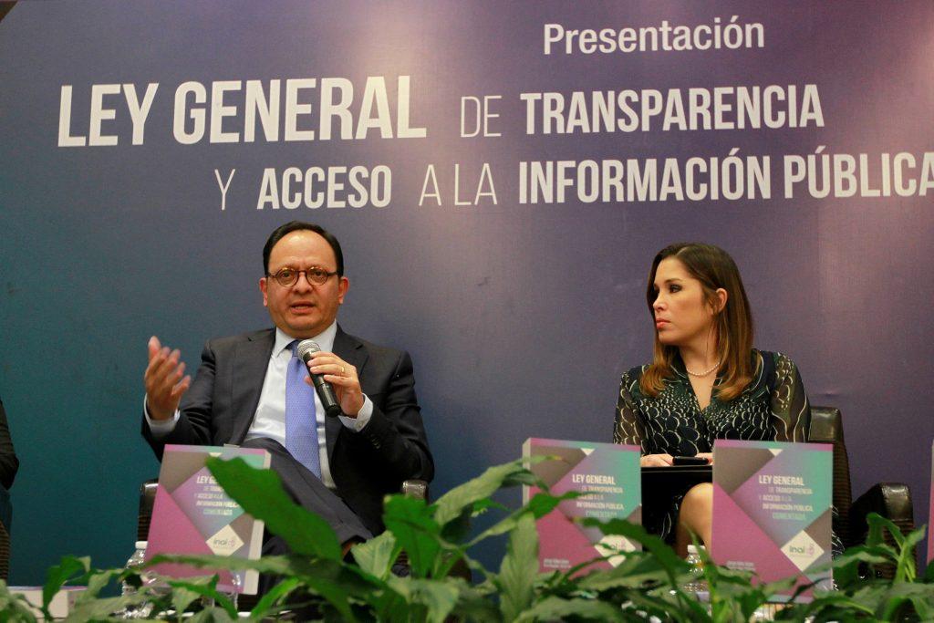 Gabriela Morales Martínez, Jorge Islas López, Ximena Puente de la Mora, Leticia Bonifaz y Oscar Guerra Ford presentaron la