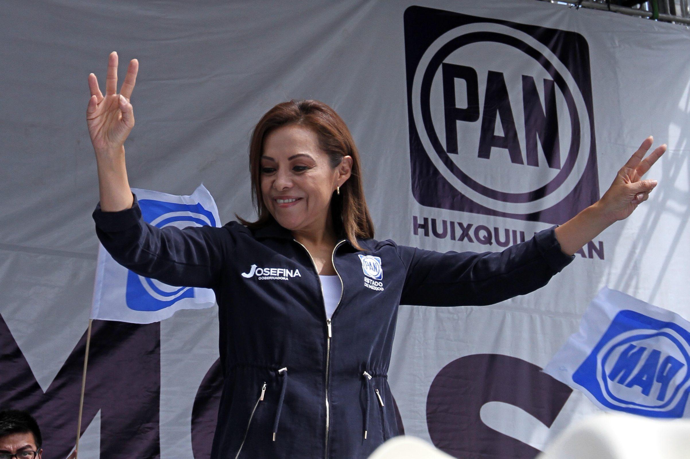 28 May 2017 (Notimex-Francisco García).- La candidata del Partido Acción Nacional (PAN) al gobierno del Estado de México, Josefina Vázquez Mota, durante el cierre de campaña, acompañada de cientos de militantes.  NOTIMEX/FOTO/FRANCISCO GARCIA/FGV/POL