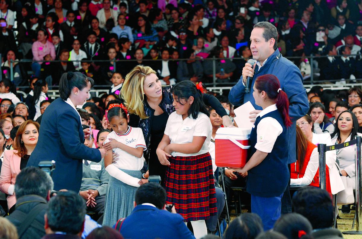 El Heraldo de México. Angélica Rivera y Eruviel Avila. Foto: Cuartoscuro