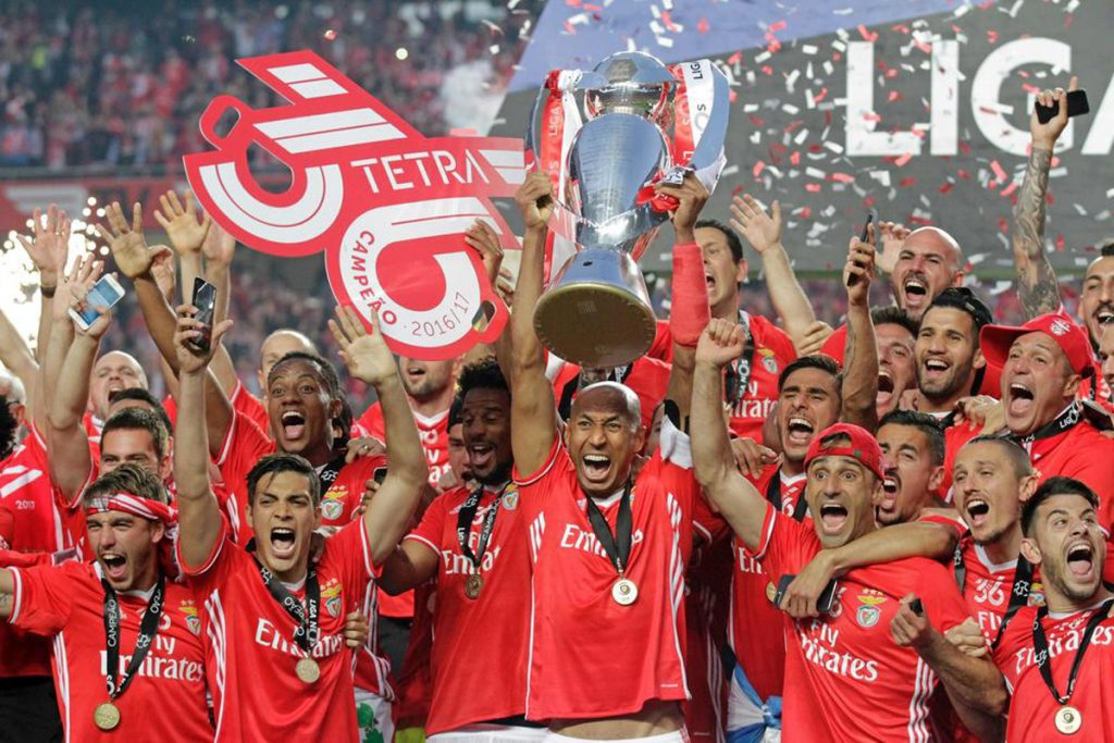 FOTO @Benficastuff Segundo título de liga para el mexicano