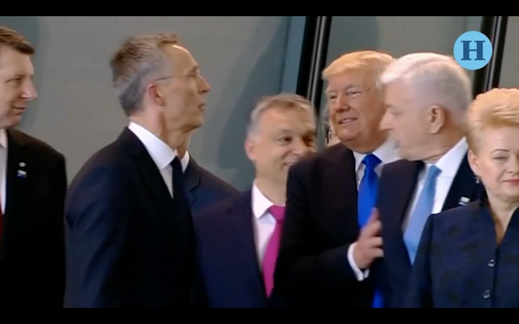 Donald Trump empuja al Primer Ministro de Montenegro
