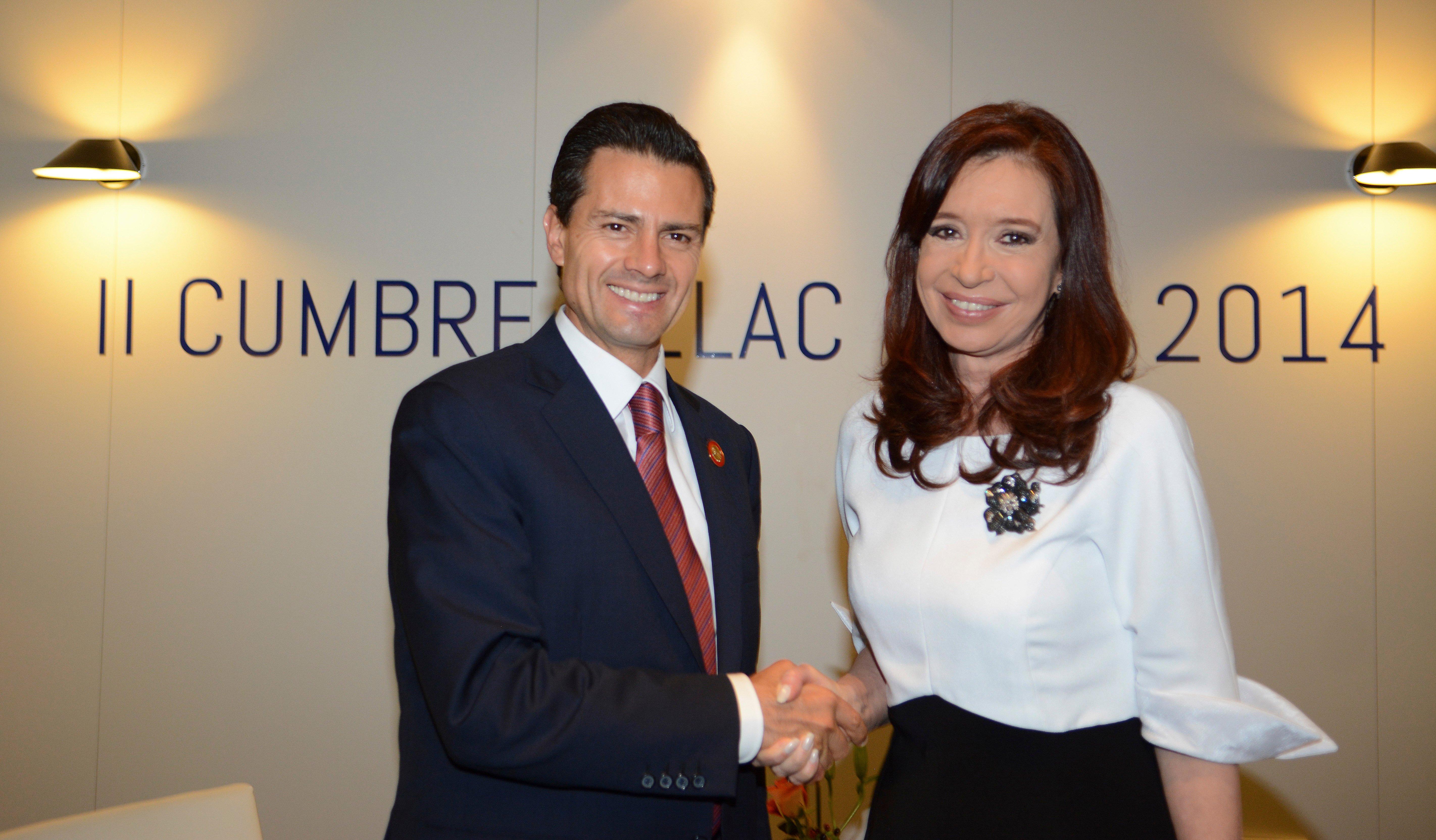 Cristina Fernández de Kirchner y el Presidente de la República, Enrique Peña Nieto.  FOTO: PRESIDENCIA /CUARTOSCURO.COM