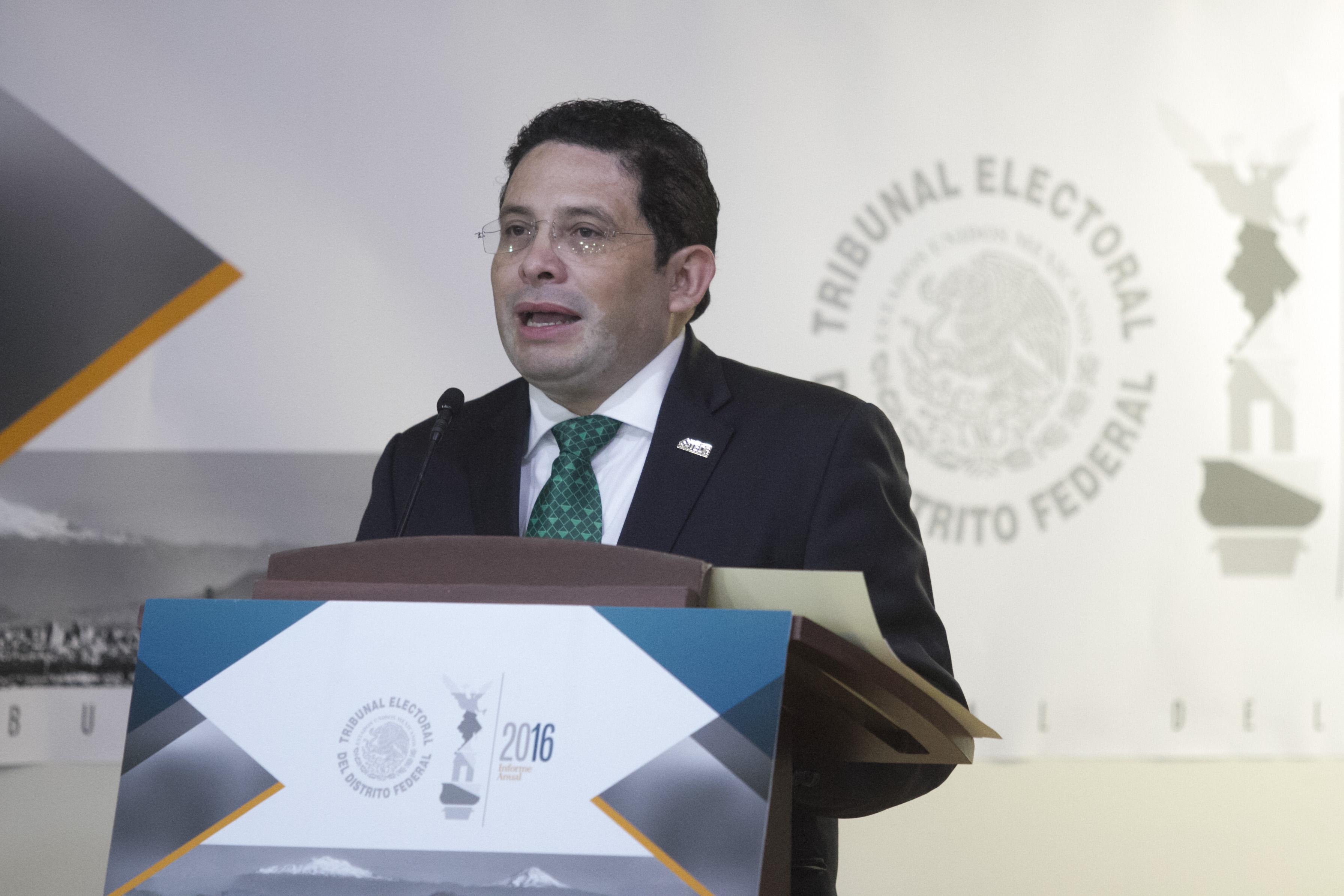 Armando Hernández Cruz, magistrado presidente del Tribunal Electoral del Distrito Federal. CUARTOSCURO.