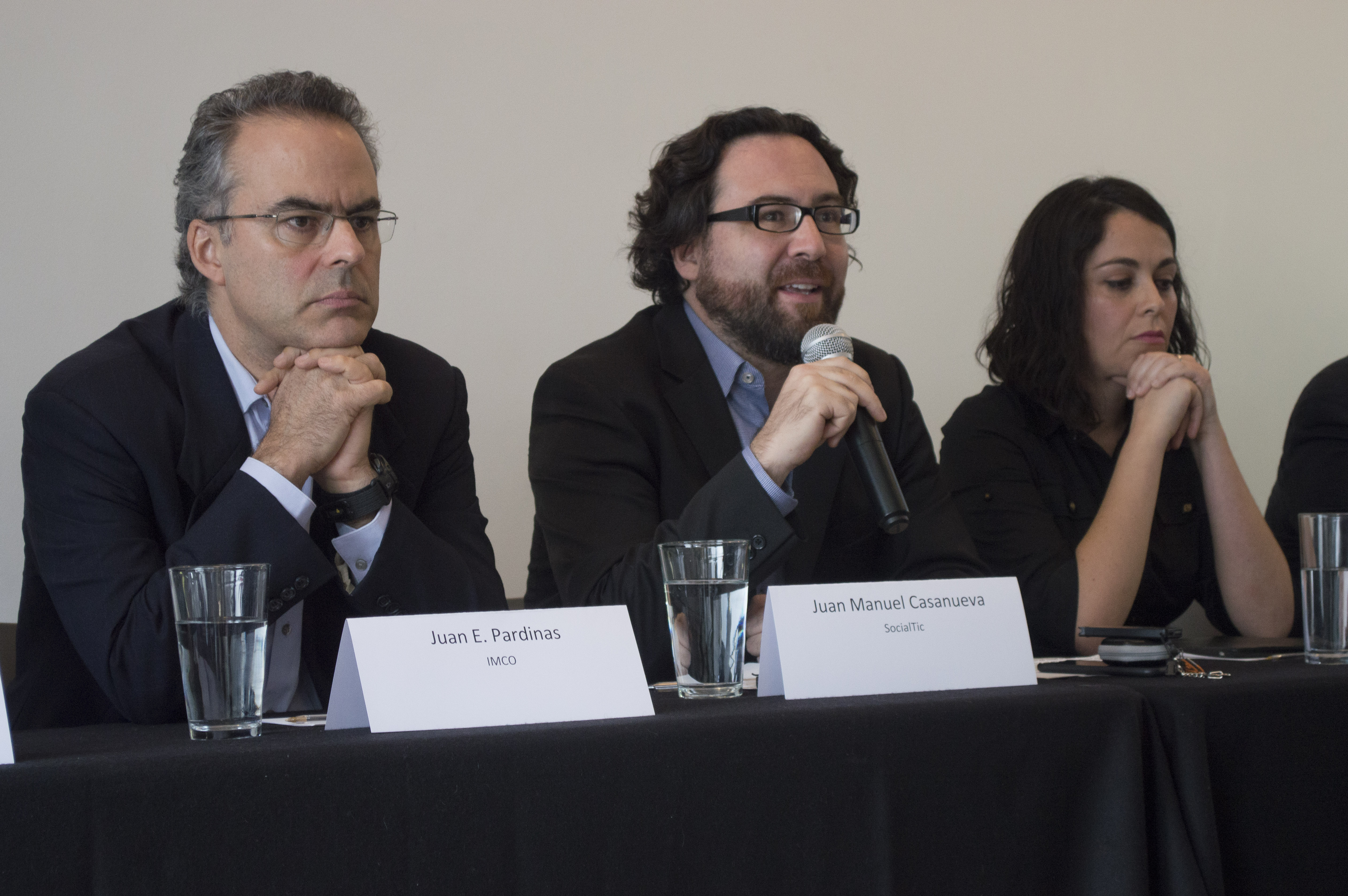 Juan Manuel Casanueva recordó en conferencia de prensa los casos de espionaje electrónico por parte del gobierno contra periodistas y activistas. FOTO CUARTOSCURO