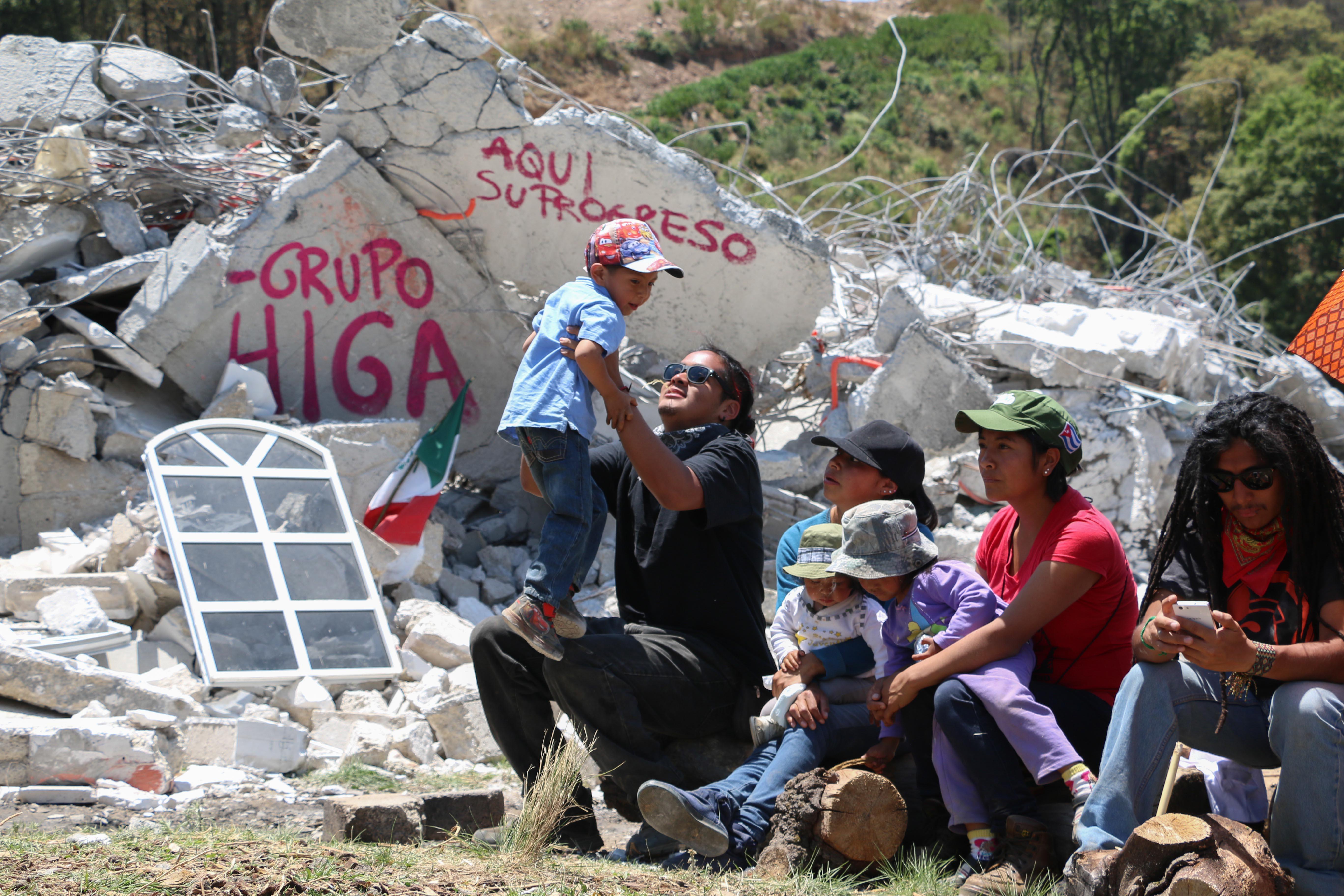 Habitantes de Xochicuautla, Estado de México. FOTO: SAÚL LÓPEZ /CUARTOSCURO
