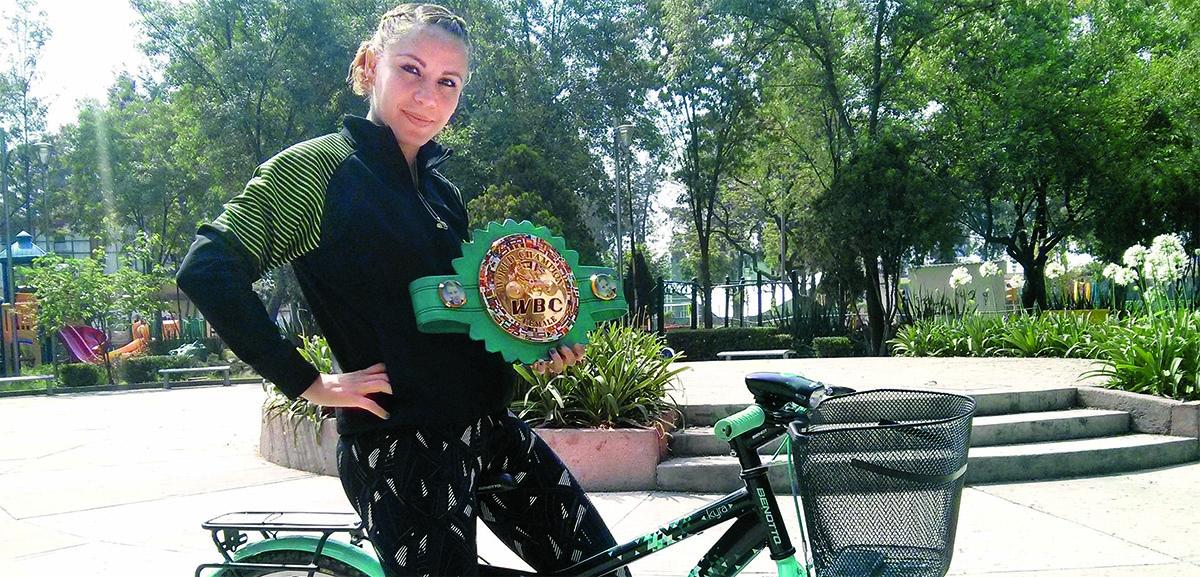 Zulina Muñoz, boxeadora en bicicleta