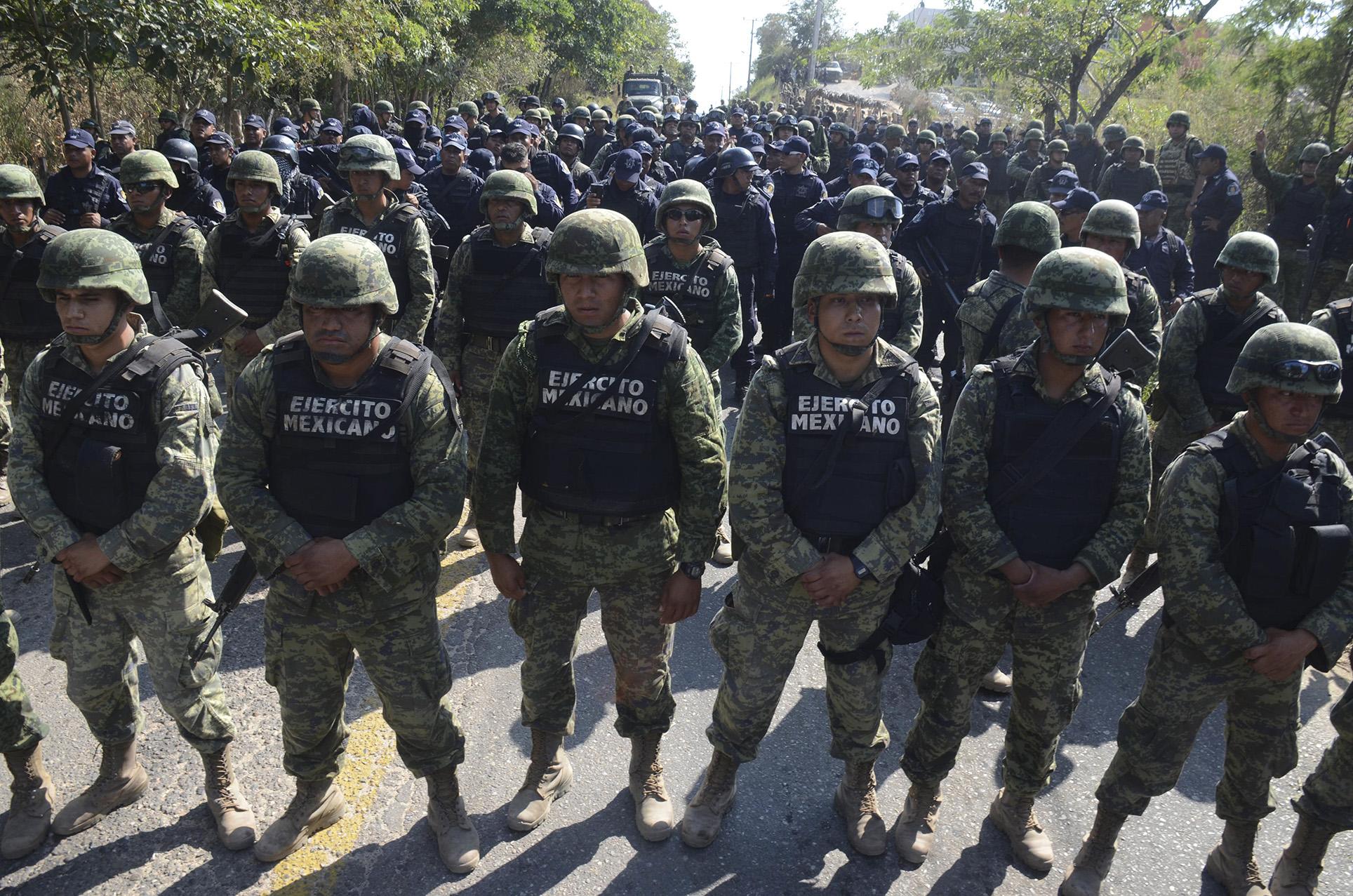 La Sedena dijo que el Ejército no estaba a gusto ni estudió para perseguir delincuentes. FOTO CUARTOSCURO