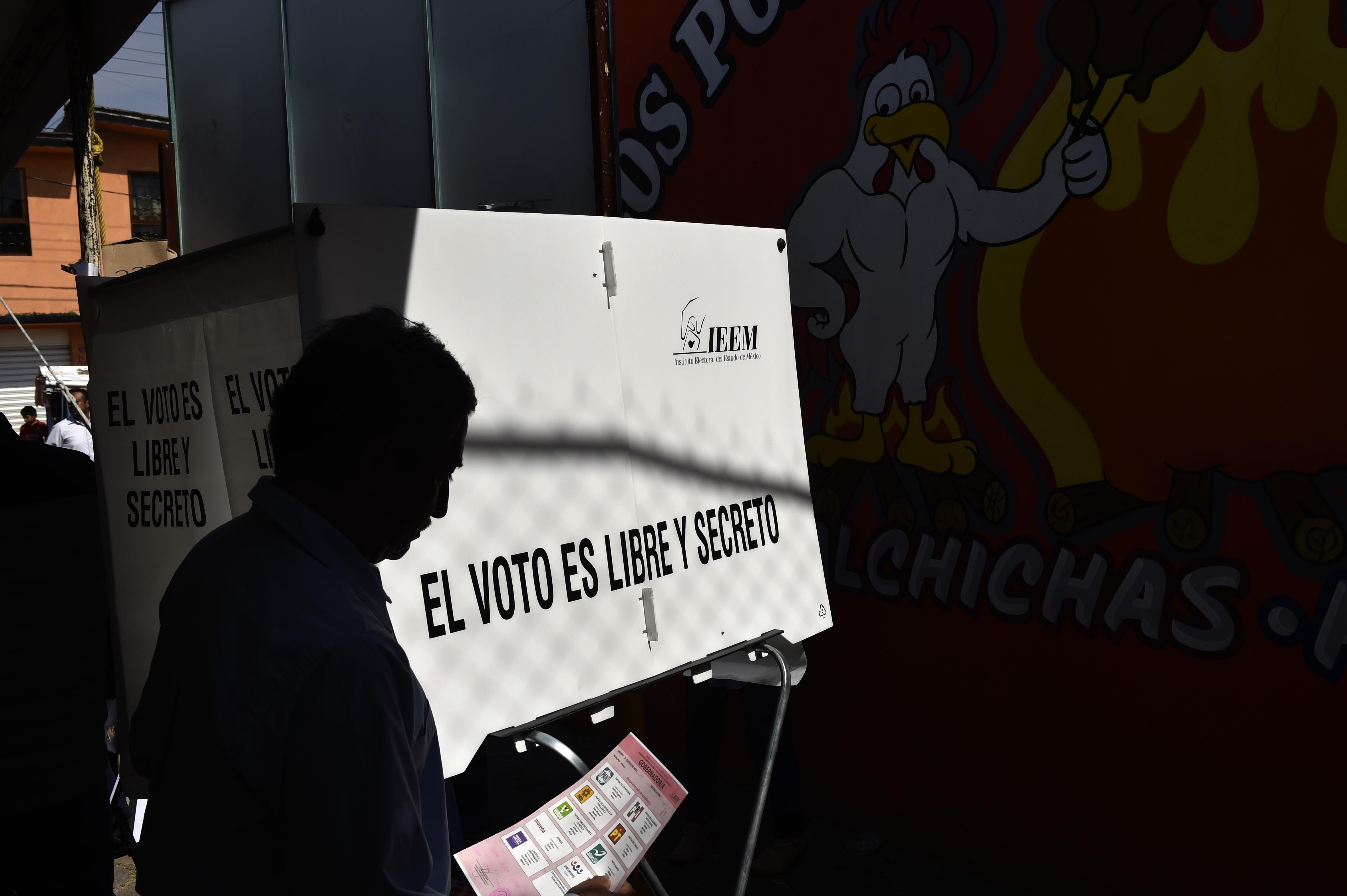 Junio 4 de 2017, elecciones en el Estado de México. / AFP PHOTO / PEDRO PARDO