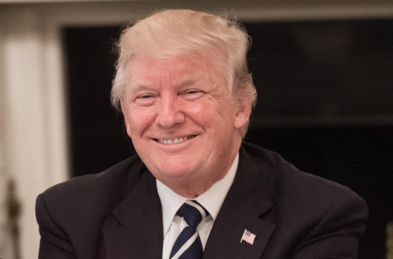 El presidente Donald Trump reclamó este viernes en Twitter su