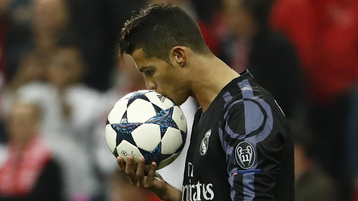 Cristiano Ronaldo, que tiene contrato en vigor hasta el año 2021, quiere abandonar al real Madrid tras ser acusado de defraudar 14,7 mde