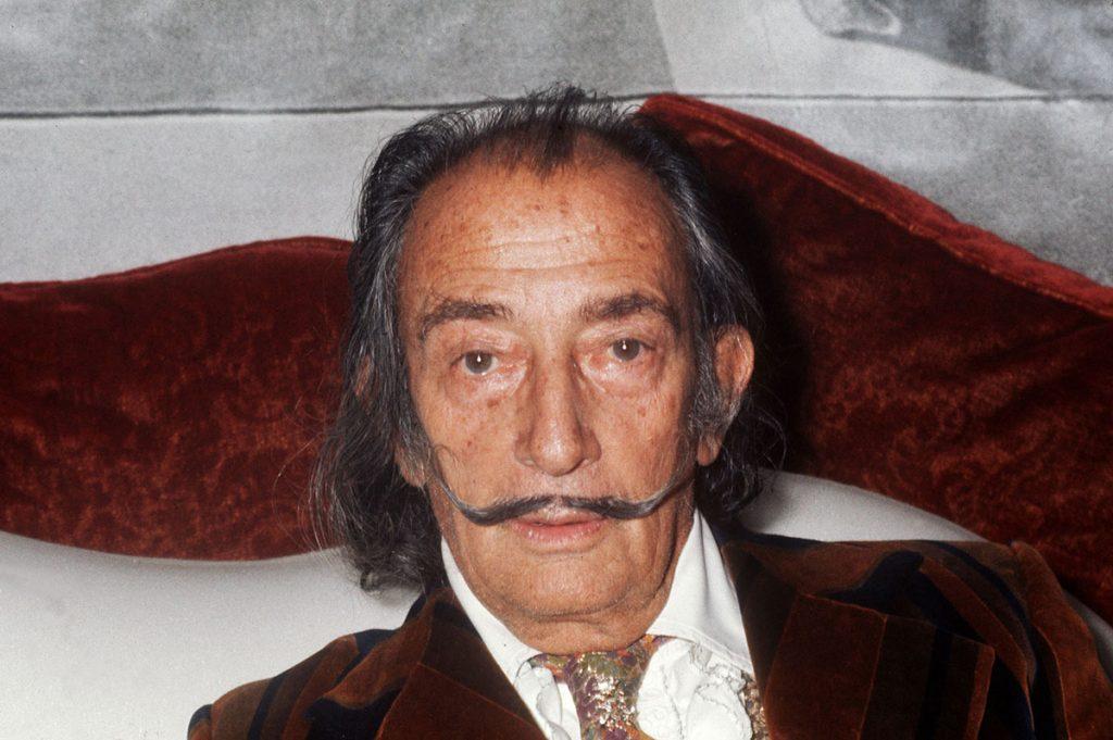 Ordenan exhumar los restos del artista Salvador Dalí