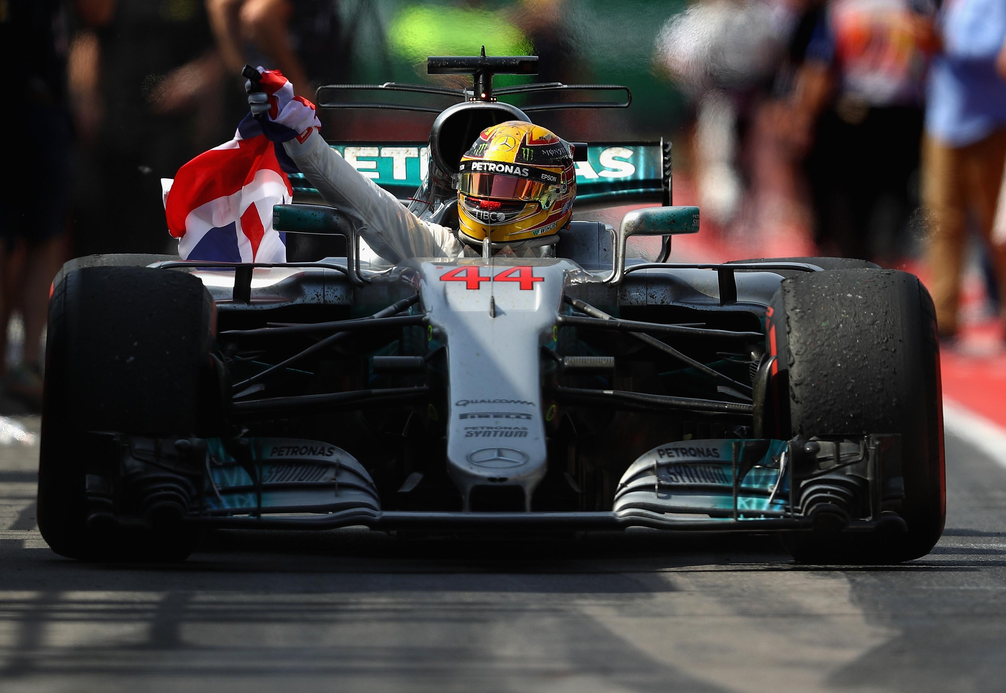 Lewis Hamilton, gana el GP de Canadá; @AFP
