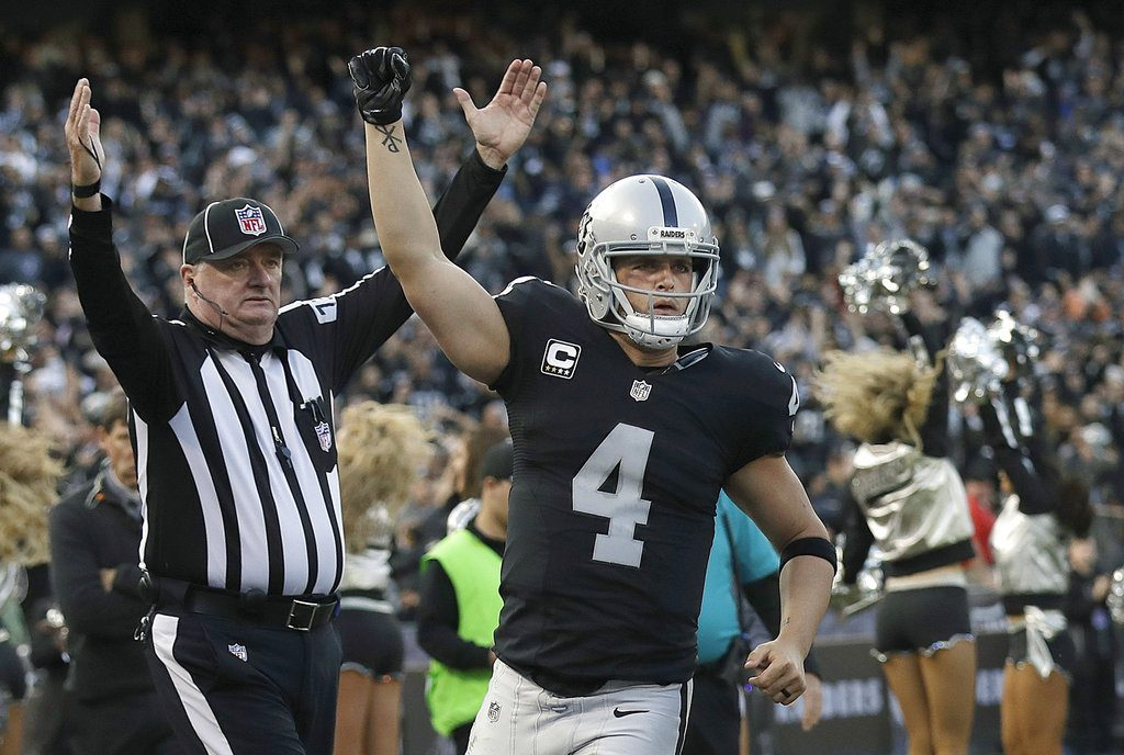 Derek Carr. (AP Photo/Marcio Jose Sanchez, File)