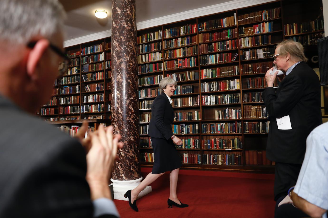 Theresa May; @AFP foto