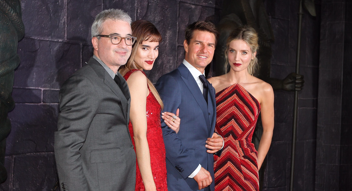 """El actor estadounidense Tom Cruise, junto con Sofia Boutella, Annabelle Wallis y Alex Kurtzman, desfilaron por la alfombra roja de la película """"La Momia"""", hoy en la Explanada de Museo Soumaya. NOTIMEX/FOTO/PEDRO SANCHEZ/COR/ACE"""