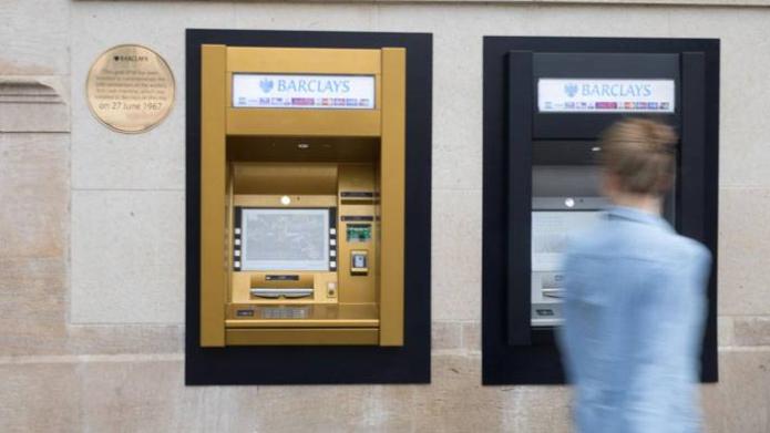 ATM. Foto https://www.home.barclays/
