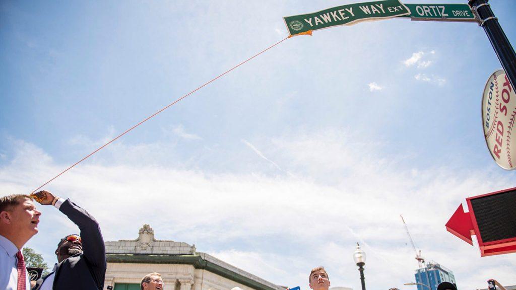 FOTO @RedSox. El 'Big Papi' en la ceremonia del nombramiento de su calle.