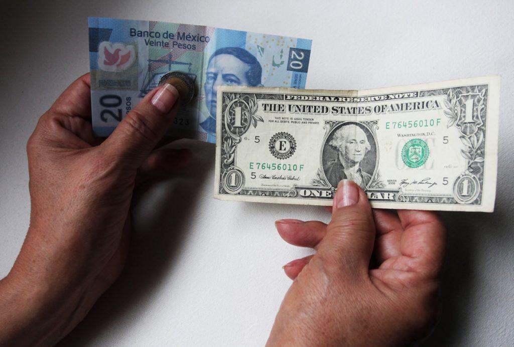 En abril de este año, ingresaron a México dos mil 306 millones de dólares por concepto de remesas, su mayor monto para un mismo mes desde 1995