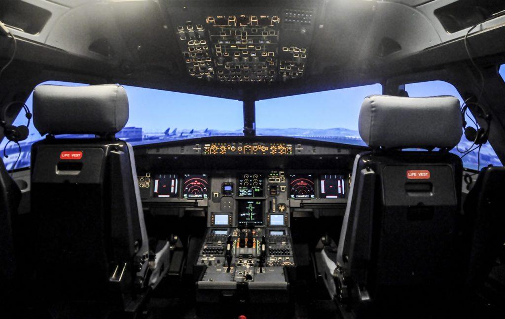 """Un piloto bloqueó el viernes durante 15 minutos la comunicación entre la torre de control y otras aeronaves mientras cantaba el célebre tema """"Despacito"""""""