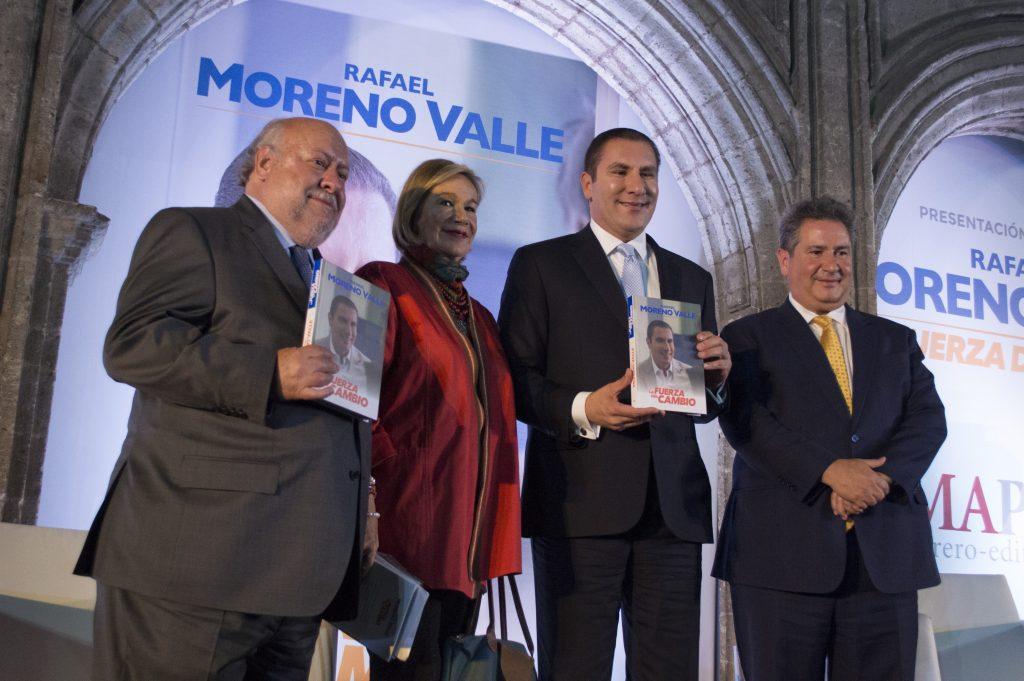 Rafael Moreno Valle, ex gobernador del estado de Puebla, presentó su libro