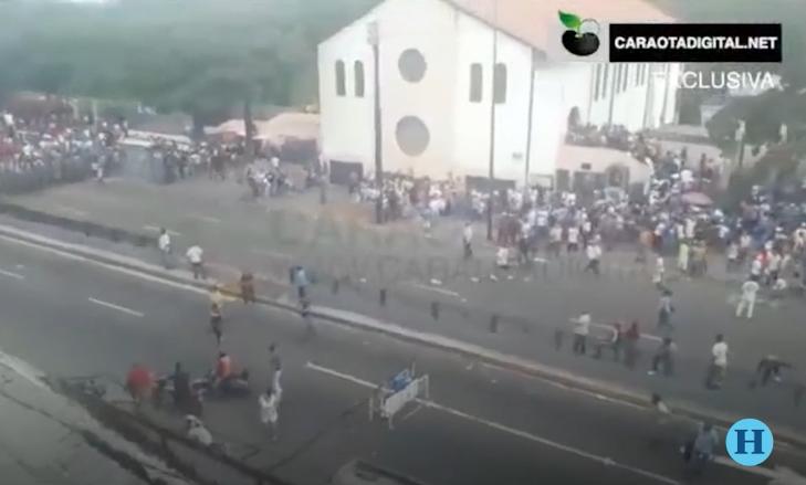 Muere mujer durante plebiscito en Venezuela