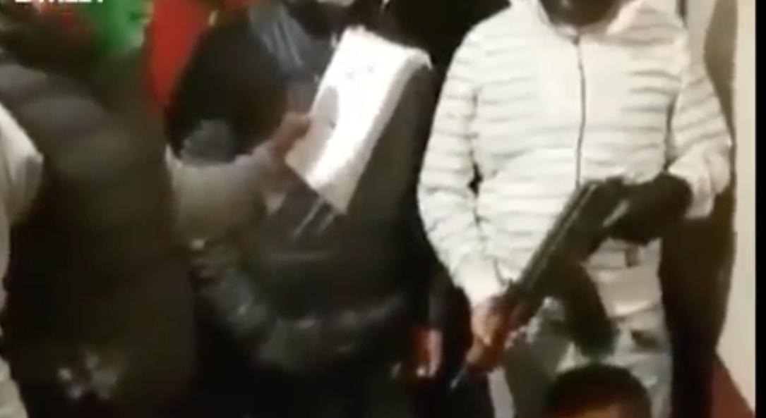Detienen a dos involucrados en video de 'Los Justicieros' de Santa Julia