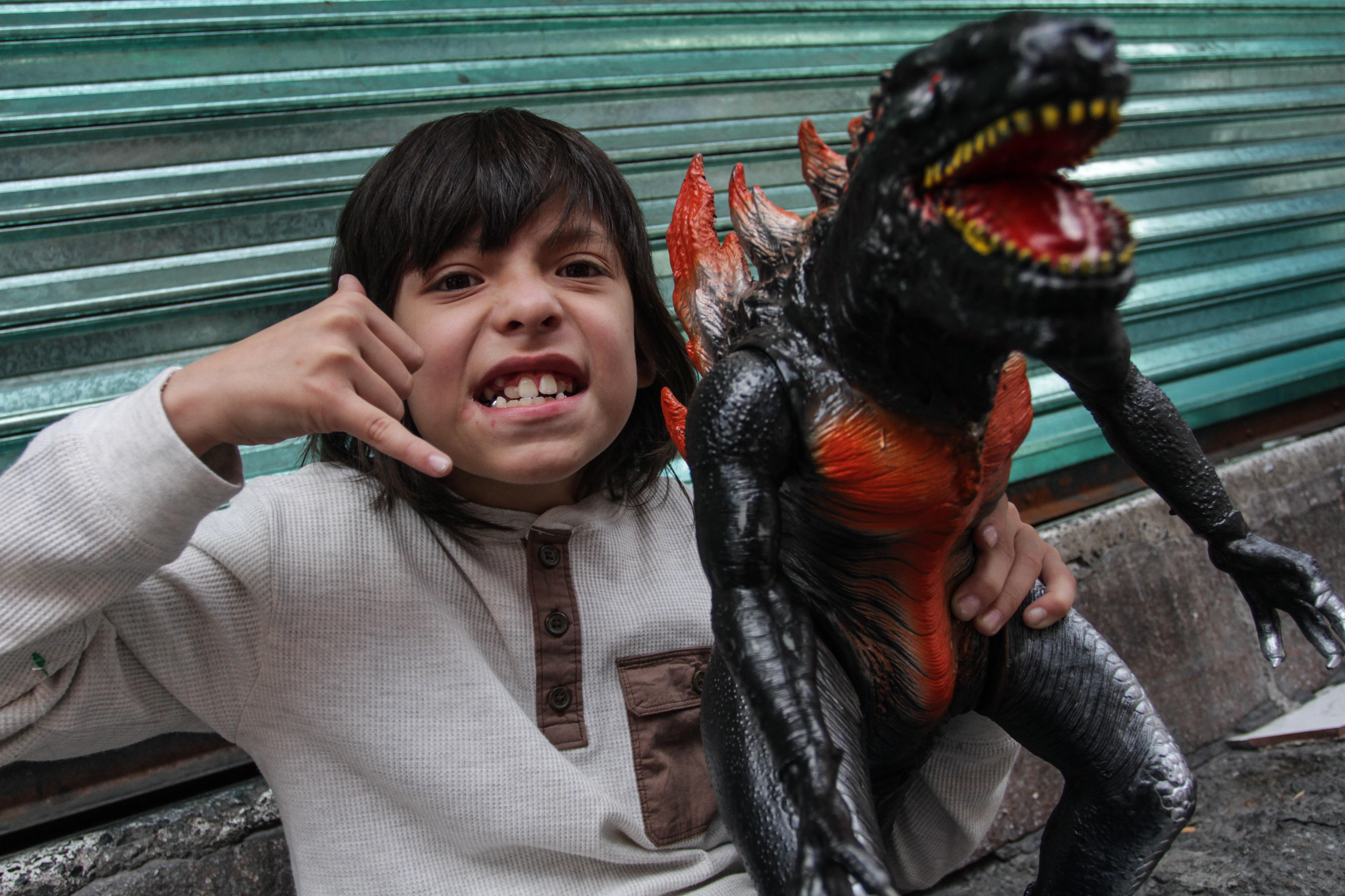 En la CDMX madrugan para ver a Godzilla