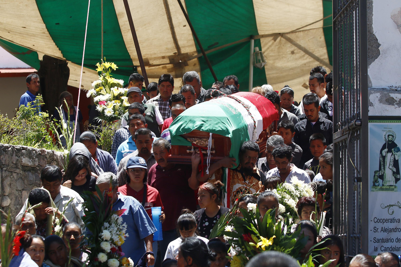 Sepelio del alcalde de Huehuetlán El Grande. CUARTOSCURO.COM