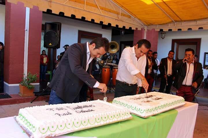 Edil de Tequisquiapan cierra alcaldía para festejar su cumpleaños