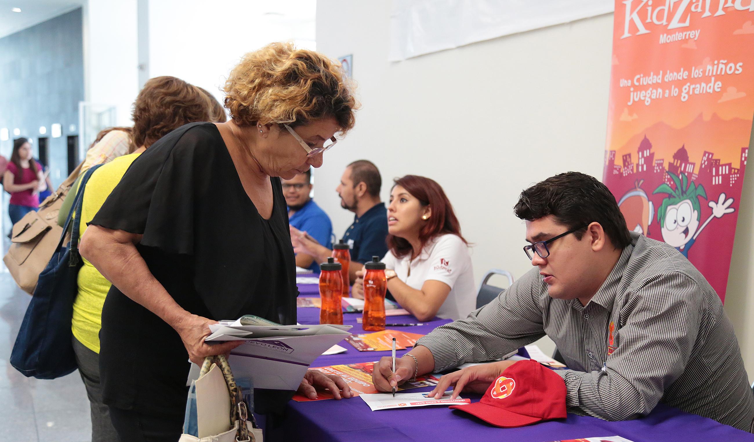 http://www.nl.gob.mx/noticias/ofertan-trabajos-para-abuelitos