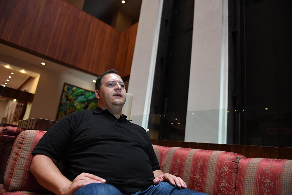 Juan Pablo Escobar, hijo de Pablo Escobar, repudia las narcoseries