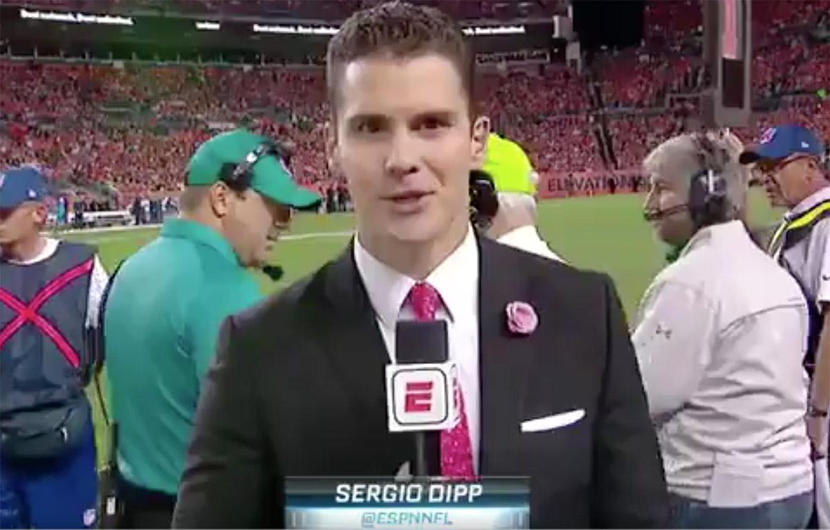 La aparición de Sergio Dipp, comentarista de ESPN, en la transmisión en inglés del Chargers vs Broncos generó cientos de críticas hasta convertirse en tendencia
