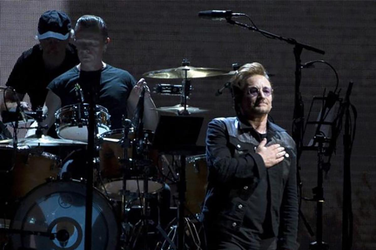 U2 durante su concierto en Seattle. Foto: YouTube