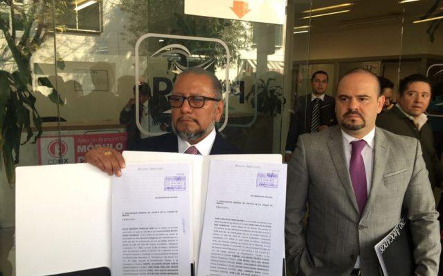 Presentan denuncia por homicidio los padres de estudiantes del Tec