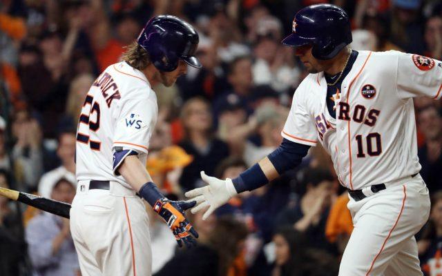 Con gran trabajo del abridor McCullers Jr. y el relevo de Brad Peacock, los Astros de Houston vencieron 5-3 a los Dodgers y tomaron ventaja 2-1 en la Serie Mundial