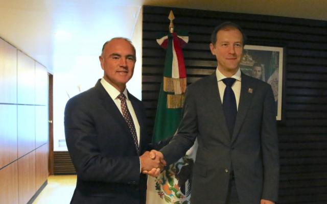 El titular de la Sagarpa, José Calzada, y Denis Mantuvo. @ppcalzada