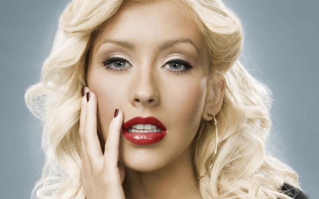 Christina Aguilera rendirá homenaje a Whitney Houston en los AMAs 2017