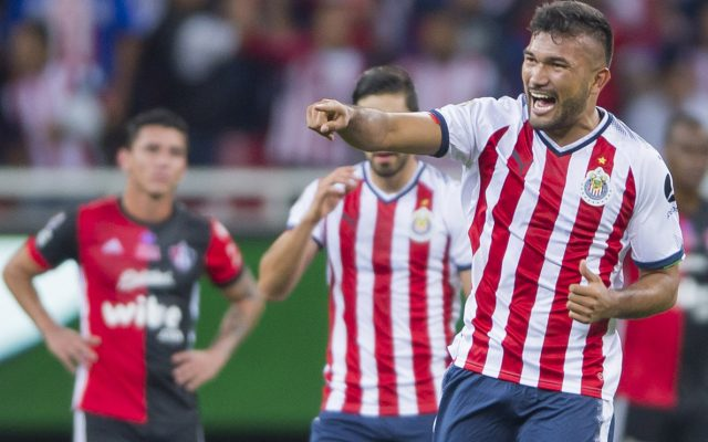 Las Chivas Rayadas del Guadalajara vencieron 1-0 al Atlas y avanzaron a cuartos de final de la Copa; Monterrey sufrió, pero venció 4-3 en penales a la UdeG