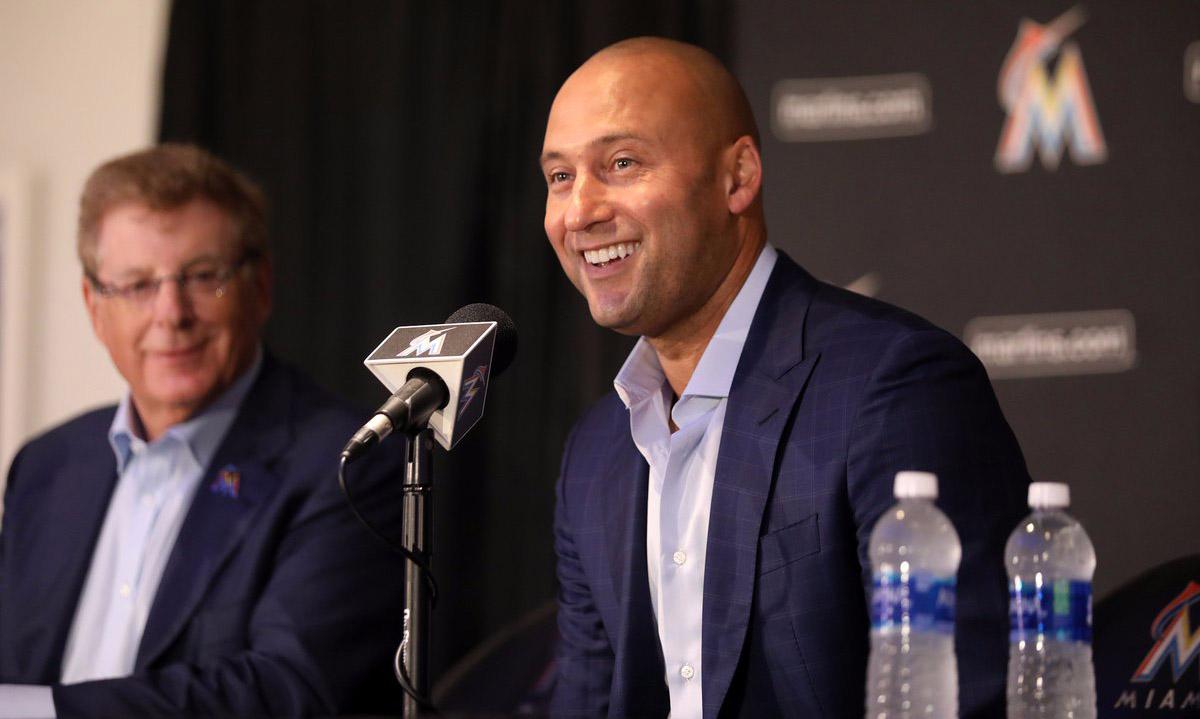 Derek Jeter reconoce que está aprendiendo a ser dueño de un equipo y aceptó que los Marlins de Miami deben ser reconstruidos tras 8 temporadas perdedoras.