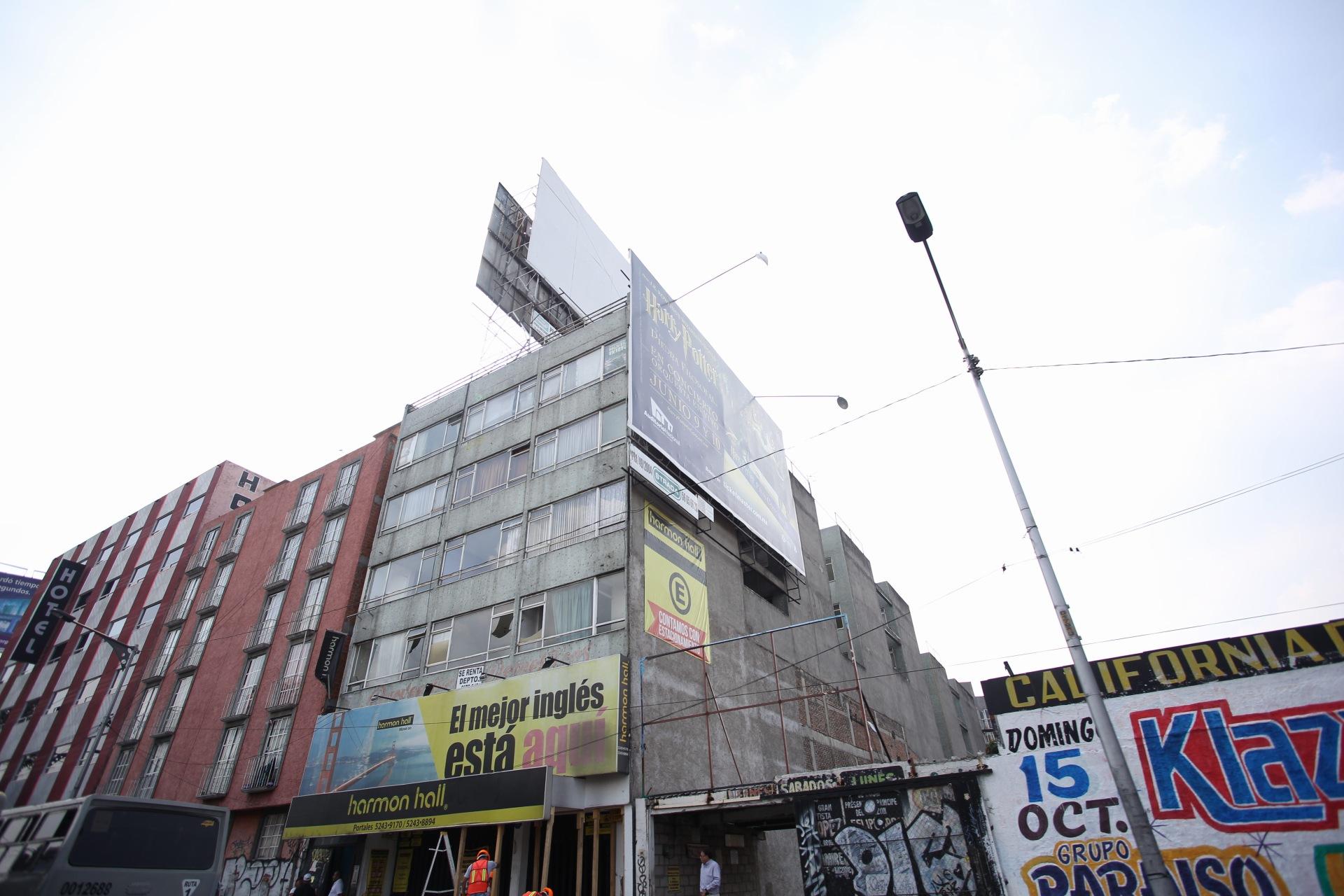 Edificio en Tlalpan 1215. Foto Bernardo Coronel