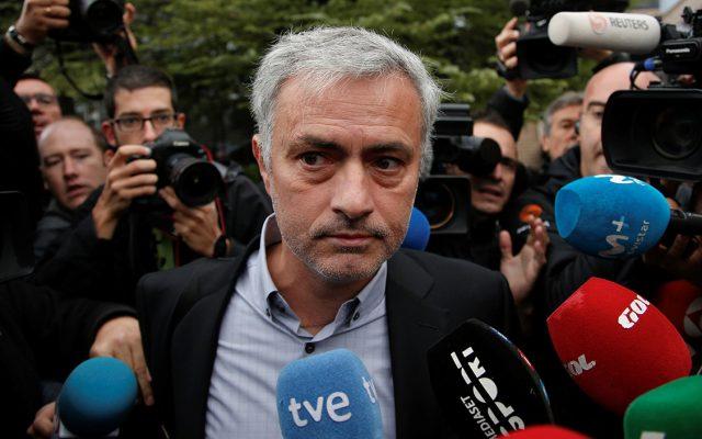 El técnico del Manchester United, José Mourinho, aseguró que pagó todo el dinero que las autoridades españolas demandaban