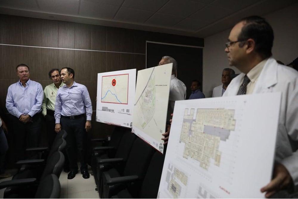 Quirino Ordaz anuncia construcción de un nuevo hospital en Culiacán