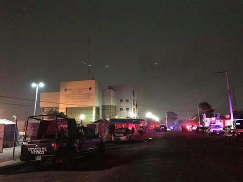 Protesta de reos genera fuerte movilización en el penal de Texcoco